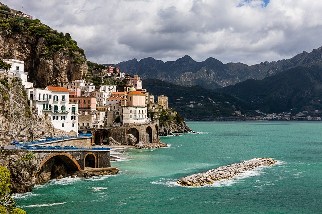 Amalfi Una costa discendente