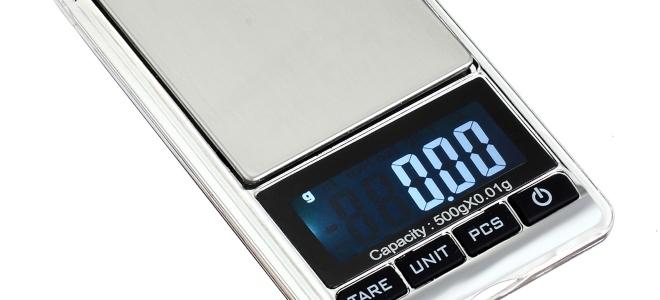 Come calibrare una bilancia tascabile digitale senza pesi