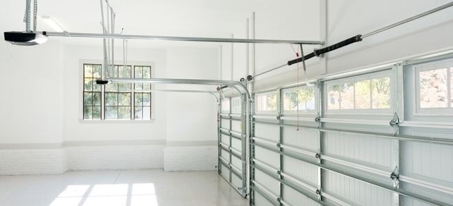 Come dipingere un soffitto del garage
