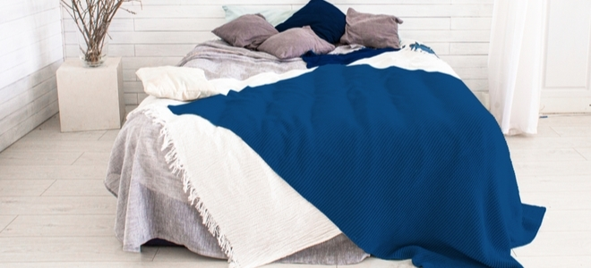 Come eliminare lodore in una camera da letto