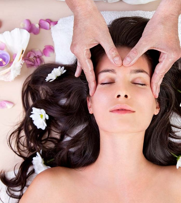 Come può un massaggio regolare aiutare le donne