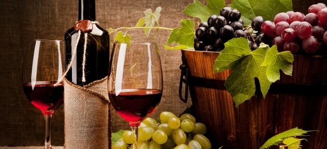 Come rimuovere le macchie di vino rosso dalla pelle scamosciata