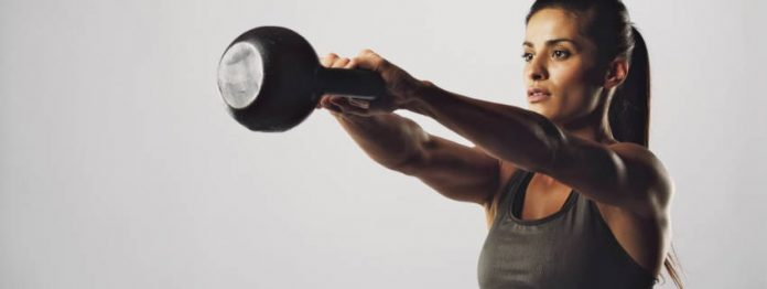 Master Kettlebell Swings per rendere il tuo re core