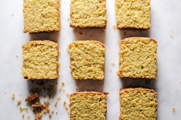 Pagnotta di mandorle al pistacchio senza farina