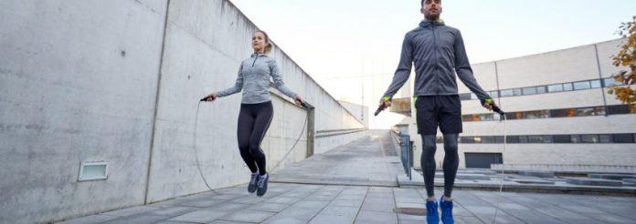 Salta e senti questi vantaggi degli esercizi con la