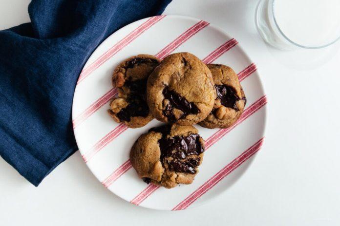Brown Butter Macadamia Nut Cioccolato Fondente Ricetta Cookie Cookie