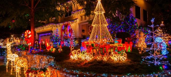Come appendere le luci di Natale fuori casa