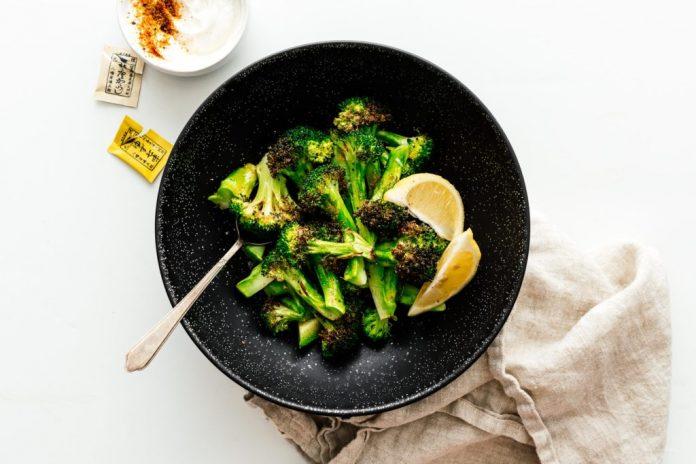 Come preparare i broccoli arrostiti con la friggitrice ad aria