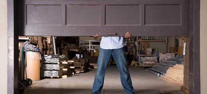 Come ridurre il rumore dellapriporta del garage a vite