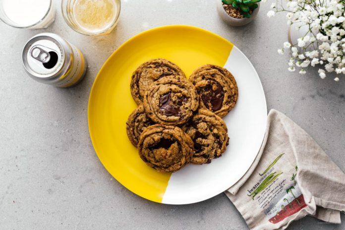 I miei migliori biscotti al cioccolato con burro marrone salato