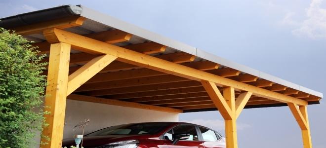 Installazione di una luce in un posto auto coperto in