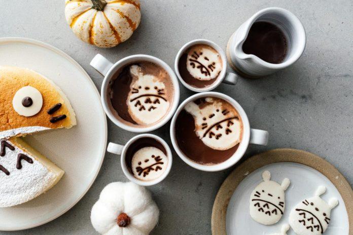 Marshmallows Totoro facili con marshmallow acquistati in negozio