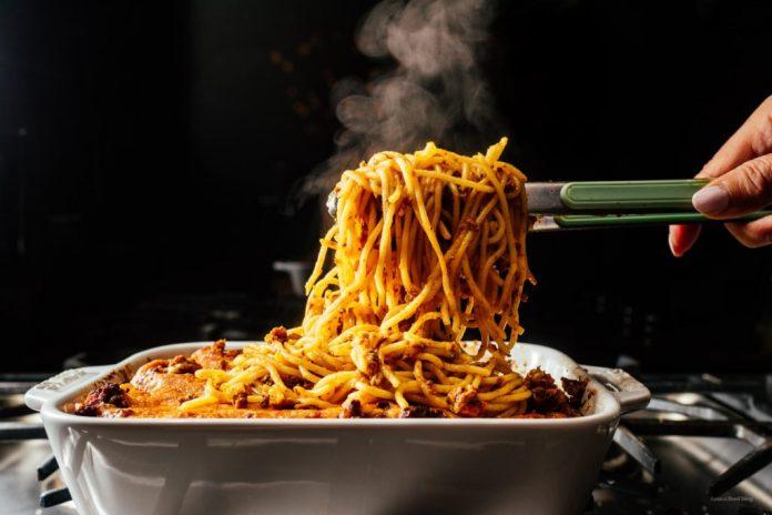 Ricetta al formaggio di spaghetti al forno
