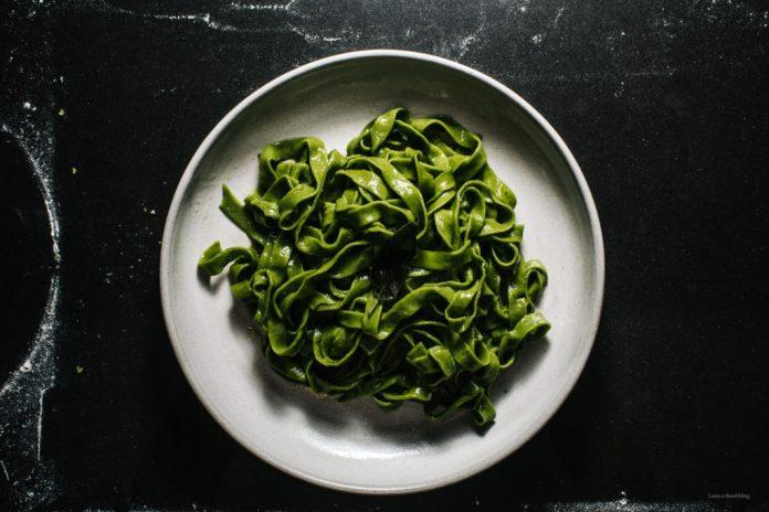 Ricetta pasta spinaci salvia e burro marrone