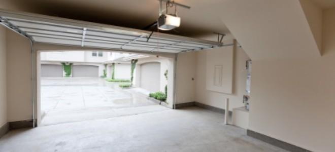Riparare un pavimento del garage incrinato