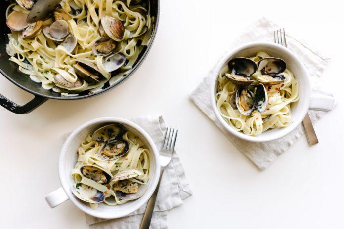 Tagliatelle alle vongole e aglio