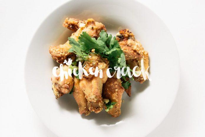 Ali di pollo fritto stile cambogiano di Phnom Penh
