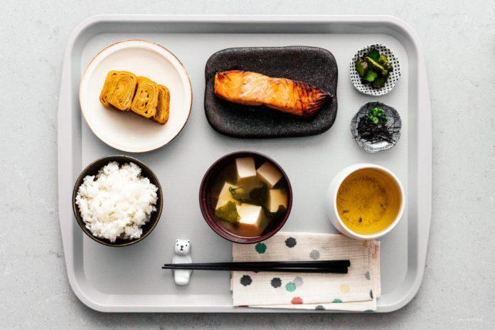 Colazione giapponese tradizionale di Teishoku