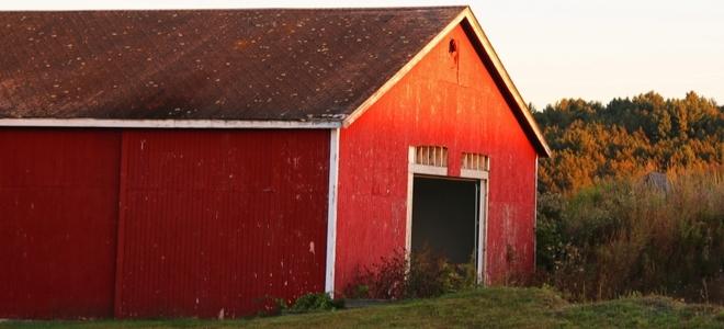 Come aggiungere lilluminazione a un garage Pole Barn
