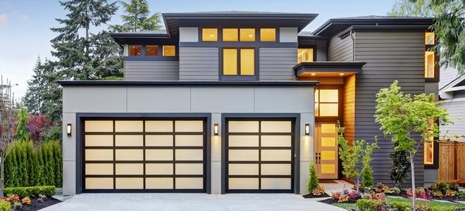 Come isolare una porta da garage in legno