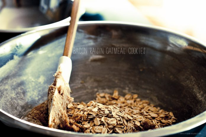 Ricetta del biscotto delluvetta delluvetta della farina davena del bacon