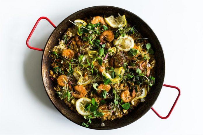 Ricetta della paella del riso del cavolfiore di verdure della