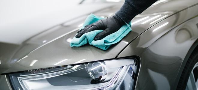 Rimozione delladesivo dalle automobili come proteggere la vernice