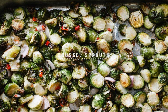 Cavoletti di Bruxelles arrostiti al forno con salsa di pesce