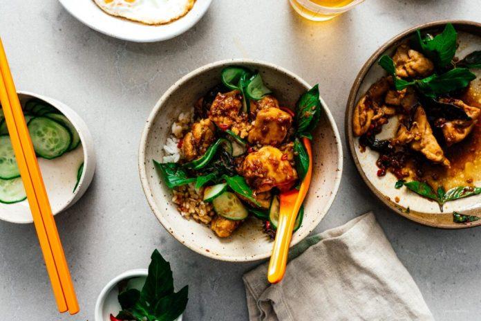 Ricetta Thai Basil Chicken