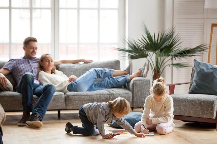 Essere genitori pratici di un adolescente nella società odierna