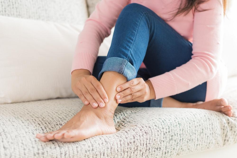 6 sport consigliati contro le caviglie gonfie..