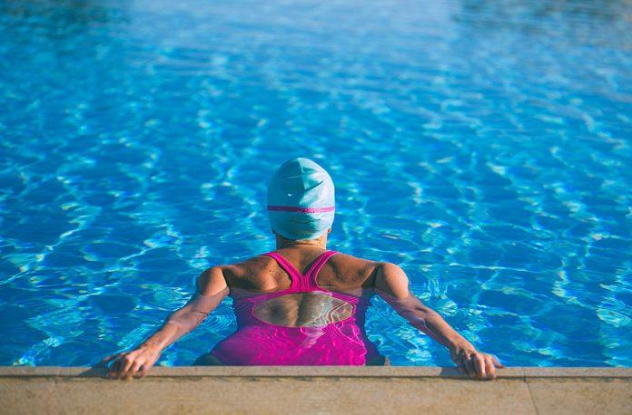 Gli allenamenti in acqua durante la gravidanza possono avere diversi ashx