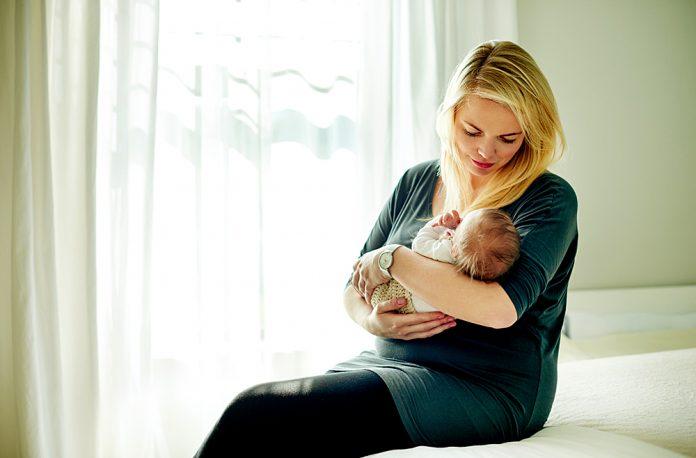 Praticare la consapevolezza può aiutare i nuovi genitori ad alleviare ashx