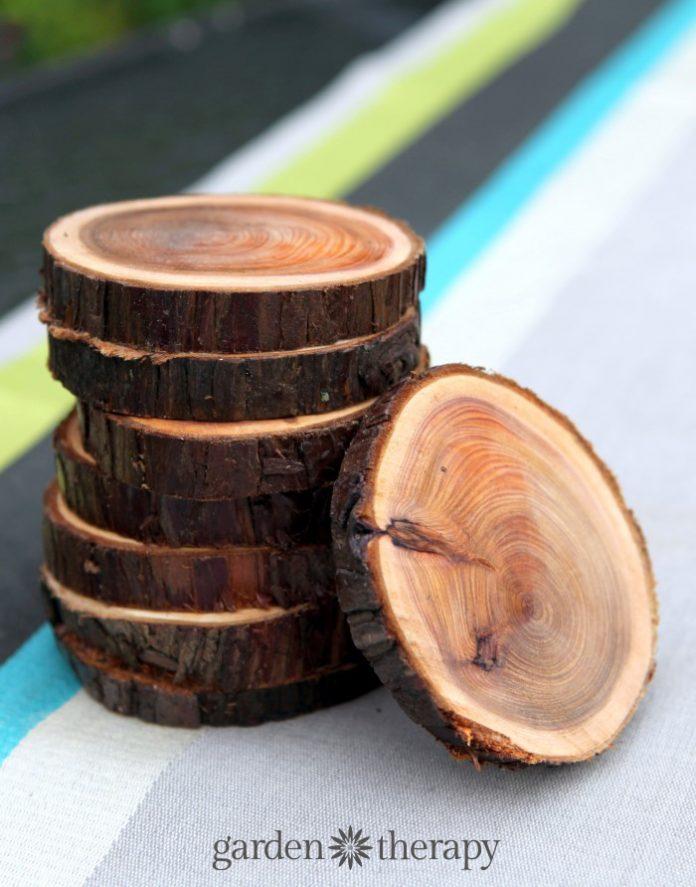 Come tagliare levigare e sigillare fette di legno