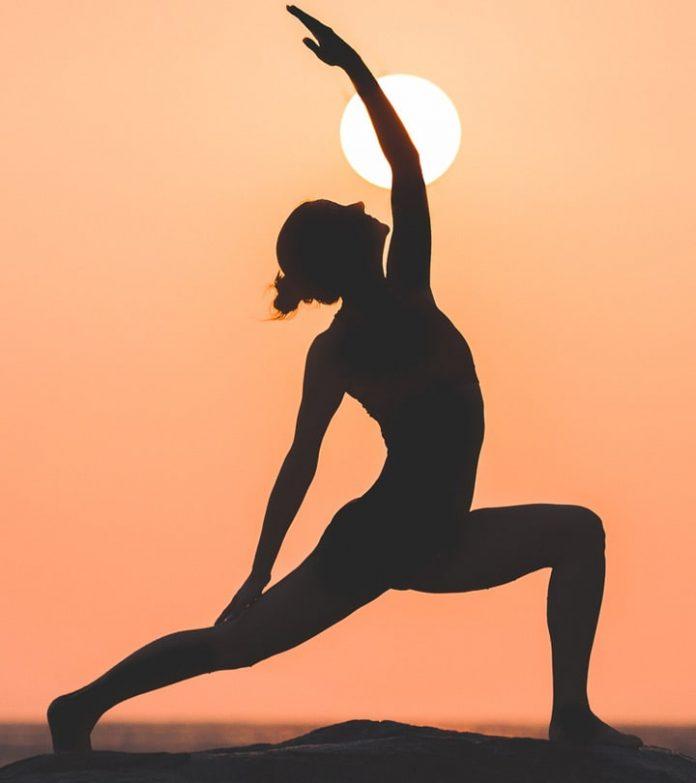 Perché praticare lo yoga potrebbe rappresentare una delle migliori decisioni