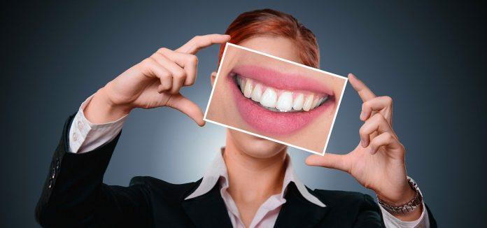 Elenco di controllo efficace come trovare un dentista giusto