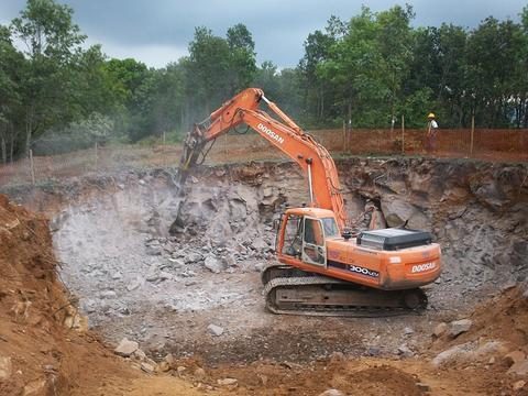Processo di costruzione delledificio dallinizio alla fine Guida passo passo